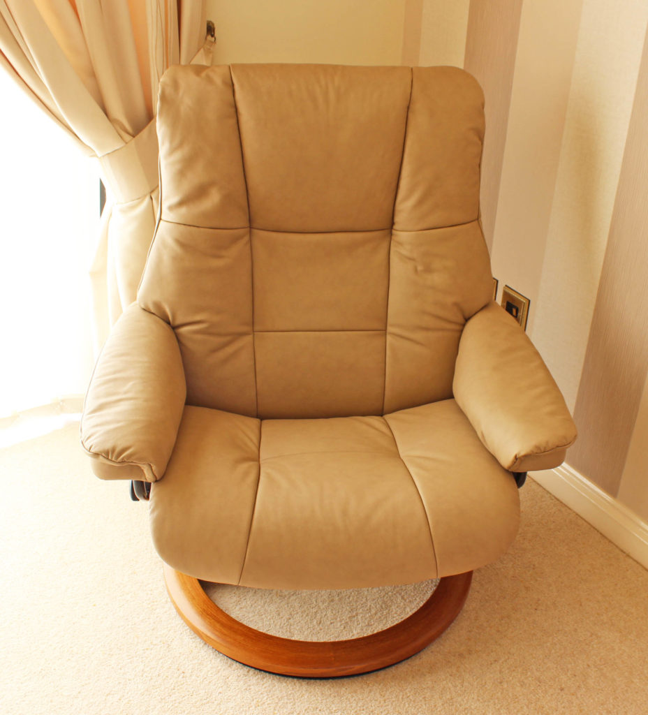 Ekornes Stressless Mayfair Reclining Chairs (2) U0026 Buckingham High Back Sofa